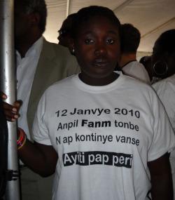 12 janvier 2010. Beaucoup de femmes sont tombées. Nous continuons d'avancer. Haïti n'est pas mort