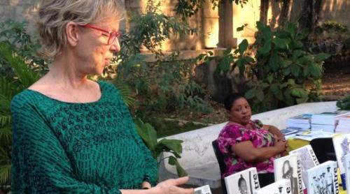 Denyse Côté à Port-au-Prince lors du lancement de la revue le 9 décembre 2016